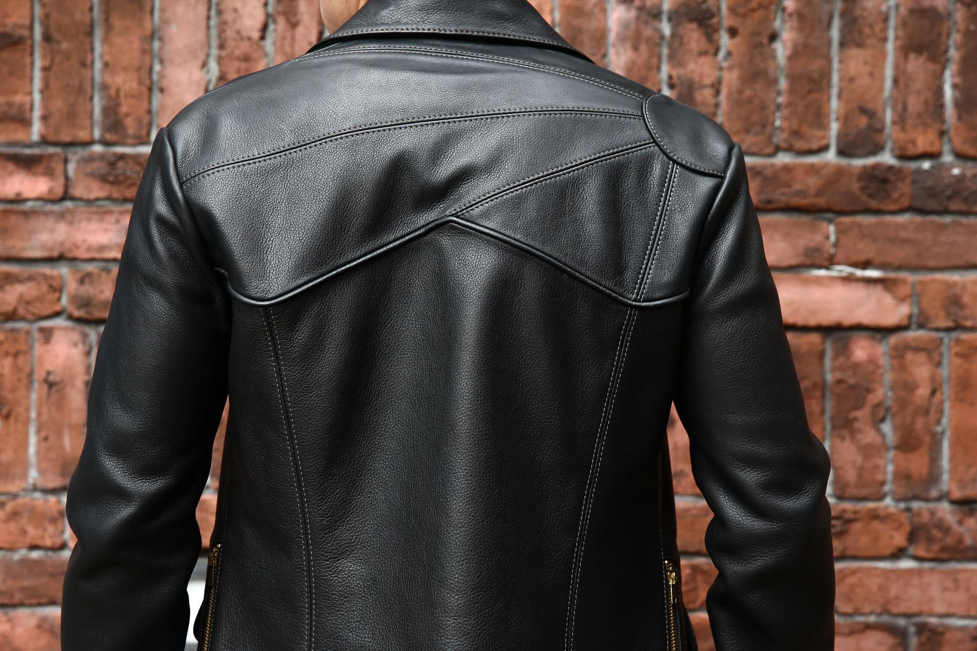 South Paradiso Leather(サウスパラディソレザー) East West イーストウエスト SMOKE スモーク レザージャケット BLACK(ブラック)  のコーディネート画像。右肩部分には太陽が描かれ抜群の存在感を放ち「East West」を語る上では欠かせないモデル。