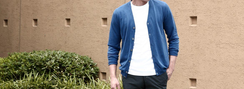 ZANONE(ザノーネ) CARDIGAN Sweaters V-Neck 811904 zy367 Vネックカーディガン BLUE(ブルー・Z3888) のコーデイネート画像。コットンニットを採用した2016年春夏モデル。アイキャッチ画像。