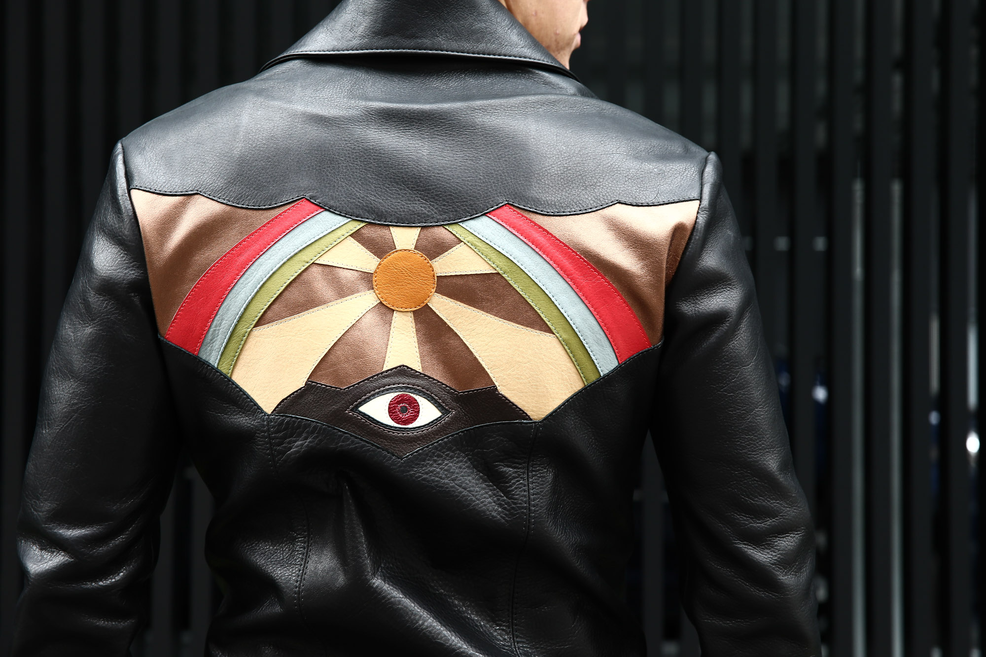 South Paradiso Leather(サウスパラディソレザー) East West イーストウエスト ILLUMINATI RAINBOW SHIRTS イルミナティ レインボーシャツ レザーシャツ BLACK(ブラック) バックスタイル画像。