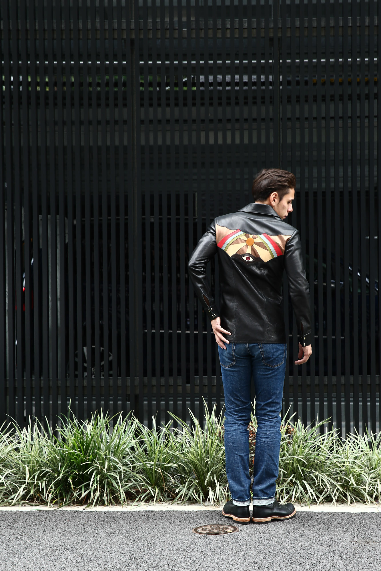 South Paradiso Leather(サウスパラディソレザー) East West(イーストウエスト) ILLUMINATI RAINBOW SHIRTS(イルミナティレインボーシャツ) レザーシャツ BLACK(ブラック) バックスタイル画像。バック画像。