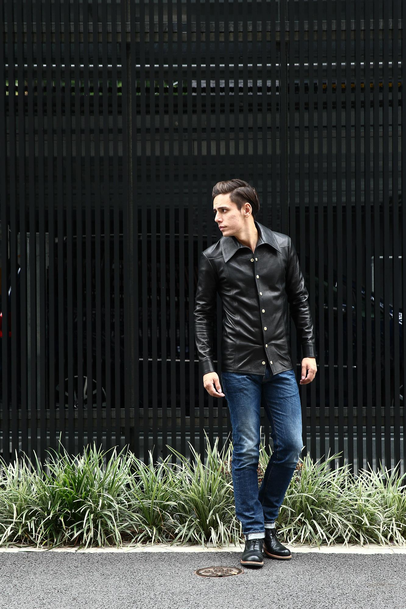 JULIANBOOTS ジュリアンブーツ BOWERY BOOTS バワリーブーツ WACTH MAKER ウォッチメーカー のコーディネート写真。South Paradiso Leather(サウスパラディソレザー) East West(イーストウエスト) ILLUMINATI RAINBOW SHIRTS(イルミナティレインボーシャツ) レザーシャツ BLACK(ブラック) バックスタイル画像。フロント画像。