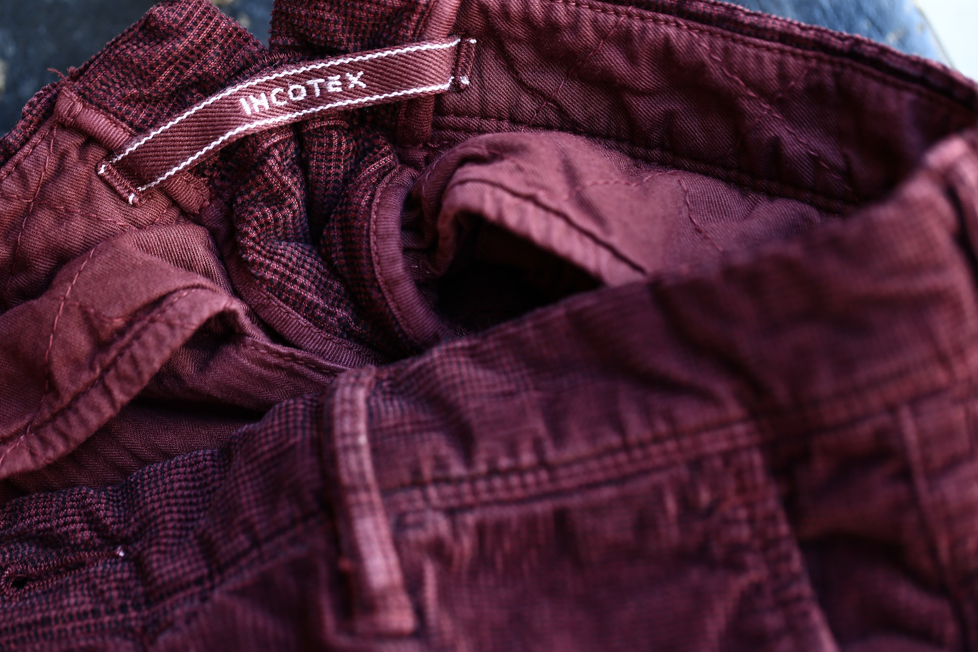 INCOTEX SLACKS(インコテックススラックス) 1ST603 SLIM FIT Garment Dyed Stretch Waffle ストレッチ ワッフルコーデュロイ パンツ BORDEAUX (ボルドー・226) 2016 秋冬新作 の画像。バーガンディー 愛知 名古屋 ZODIAC ゾディアック 入荷。