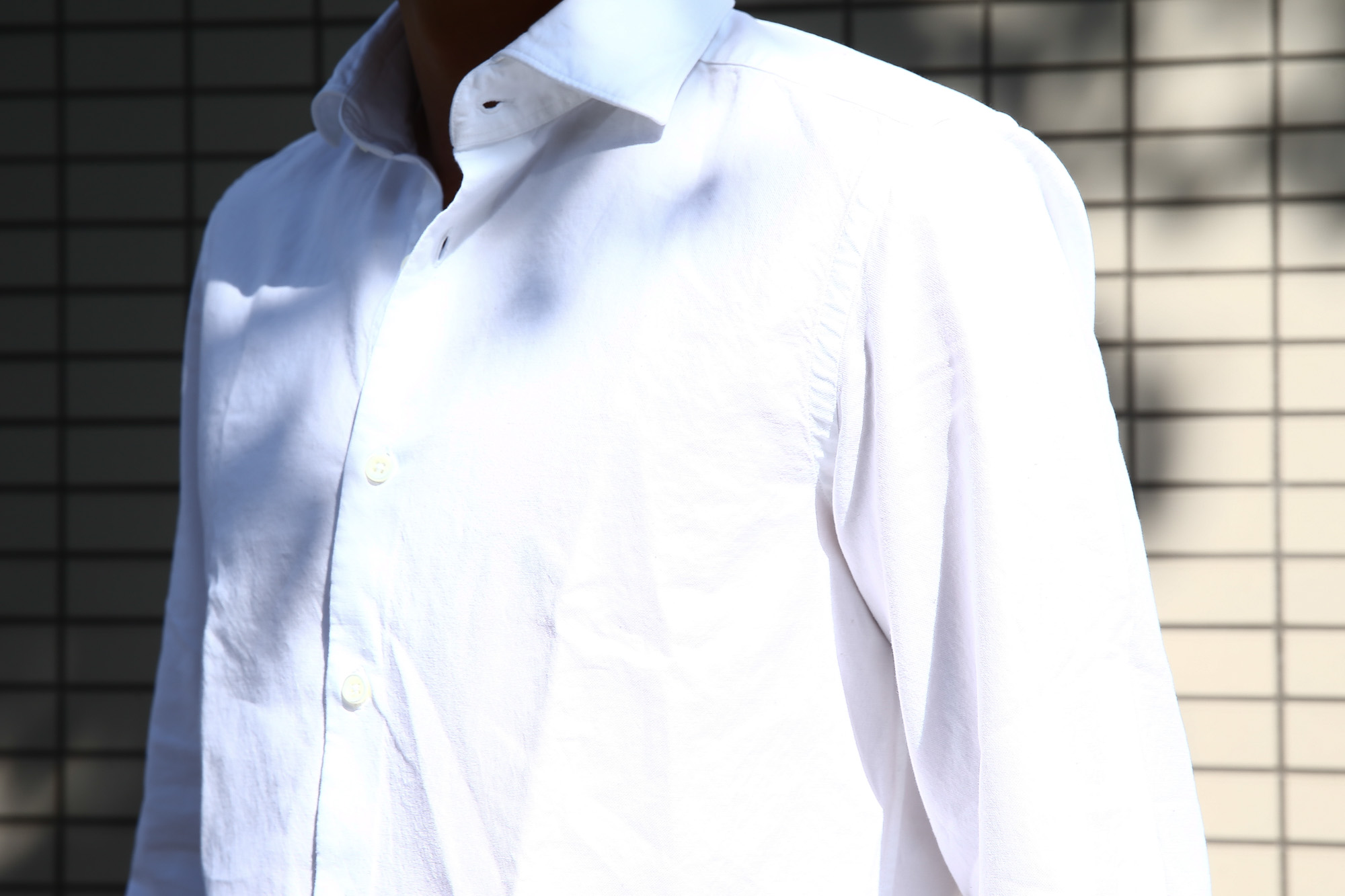 Glanshirt (グランシャツ) JWEEN G6971 OXFORD COTTON 100% オックスフォードシャツ WHITE (ホワイト・001) MADE IN ITALY(イタリア製) 2016 秋冬新作 のコーディネート画像。 愛知 名古屋Alto e Diritto アルト エ デリット シャツ 白シャツ 36,37,38,39,40,41