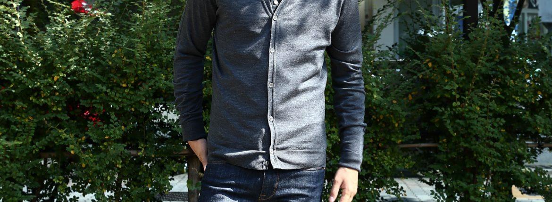 JOHN SMEDLEY (ジョンスメドレー) BRYN V-NECK CARDIGAN EASY FIT メリノウール100% ハイゲージニット Vネックカーディガン CHARCOAL (チャコール) MADE IN GREAT BRITAIN(イギリス製) 2016 秋冬新作のイメージ