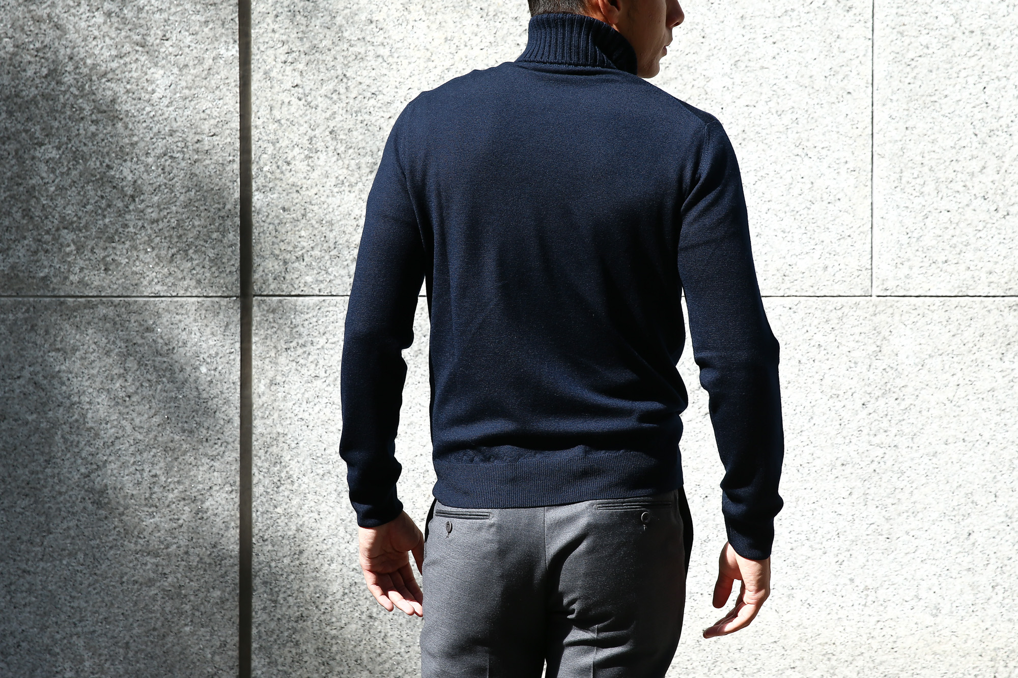 【Cruciani / クルチアーニ】 Turtle Neck Sweater (タートルネックセーター) WOOL 100% 27ゲージ&9ゲージ ハイゲージウールニット セーター NAVY (ネイビー・8800) made in italy (イタリア製) 2017 秋冬新作 cruciani クルチアーニ 愛知 名古屋 タートルネック