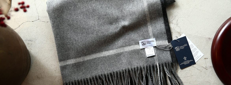 【Johnstons / ジョンストンズ】 WA56 STOLE Cashmere 100% カシミア 大判 ストール GREY BORDER (グレーボーダー・AU1737) Made in Scotland (スコットランド製) 2017秋冬新作のイメージ