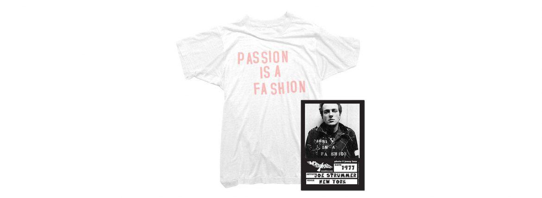 WORN FREE(ウォーンフリー) PASSION IS A FASHION The Clash(ザ・クラッシュ) Joe Strummer(ジョー・ストラマー) 1977 NEW YORK プリントTシャツ バンドTシャツ ロックTシャツ WHITE(ホワイト) MADE IN USA (アメリカ製) 2018春夏のイメージ
