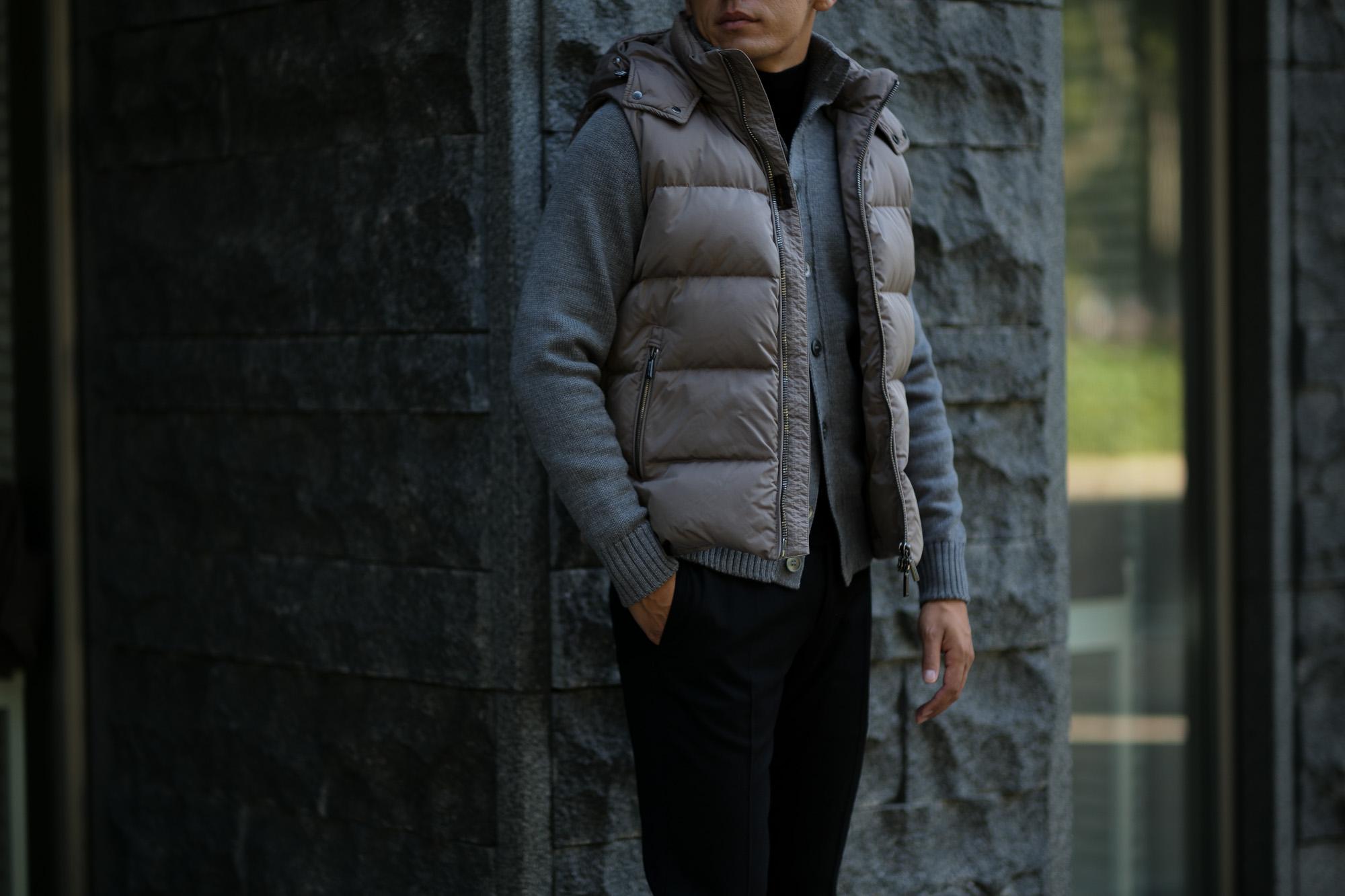 MOORER (ムーレー) FAYER-KM (フェイヤー) ナイロン ダウン ベスト VISONE (グレージュ) Made in italy (イタリア製) 2018 秋冬新作 愛知 名古屋 alto e dirtto アルトエデリット altoediritto 42,44,46,48,50,52,54