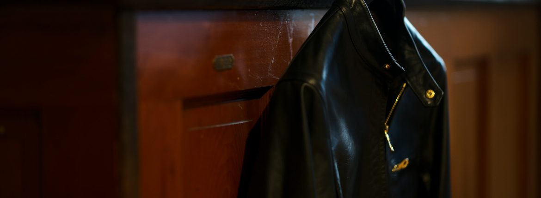 CINQUANTA(チンクアンタ) H502 STAND COLLAR RIDERS CAVALLO (スタンド カラー ジャケット) HORSE LEATHER ホースレザー シングル ライダース ジャケット BLACK (ブラック・999) Made in italy (イタリア製) 2019 春夏新作 【第1便入荷しました】【2019春夏フリー分発売開始】【第2便ご予約開始】のイメージ