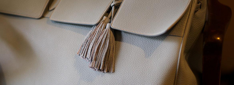 ACATE(アカーテ)OSTRO(オストロ) Montblanc leather(モンブランレザー) トートバック レザーバック AZZURO(アズーロ) MADE IN ITALY(イタリア製) 2019 秋冬新作のイメージ