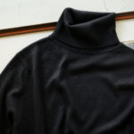 Cuervo (クエルボ) Sartoria Collection (サルトリア コレクション) Lucy(ルーシー) Silk Cashmere Turtle Neck Sweater (シルクカシミヤ タートルネックセーター) ハイゲージ ニット セーター BLACK (ブラック)  2019 秋冬のイメージ
