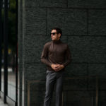 LAMBERTO LOSANI (ランベルト ロザーニ) Silk Cashmere Turtle Neck Sweaterシルクカシミア タートルネック セーター) ハイゲージ シルクカシミヤニット セーター BROWN (ブラウン・325) made in italy (イタリア製) 2019 秋冬新作のイメージ