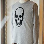 lucien pellat-finet (ルシアン ペラフィネ) Skull Cashmere Sweater (スカル カシミア セーター) インターシャ カシミア スカル セーター  FELT GRAY×BLACK (フェルト グレー×ブラック) made in scotland (スコットランド製) 2019 秋冬新作のイメージ
