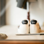 NATIONAL STANDARD (ナショナルスタンダード) EDITION 4 NAVY BANDE (M04-NA-005) レザースニーカー WHITE × NAVY (ホワイト × ネイビー・005) 2019 秋冬新作のイメージ