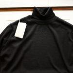JOHN SMEDLEY (ジョンスメドレー) IMPERIAL KASHMIR (カシミアシリーズ) ARLINGTON (アーリントン) CASHMERE × Merino Wool (カシミア × メリノウール) 30ゲージ カシミアウール タートルネックセーター BLACK (ブラック) Made in England (イギリス製) 2019秋冬新作 【入荷しました】【フリー分発売開始】のイメージ