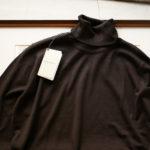 JOHN SMEDLEY (ジョンスメドレー) ORTA (オルタ) 30G Merino Wool (30ゲージメリノウール) タートルネックセーター DK COCOA (ダークココア) Made in England (イギリス製) 2019 秋冬新作  【入荷しました】【フリー分発売開始】のイメージ