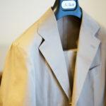 De Petrillo (デ ペトリロ) NUVOLA (ヌーボラ) ストレッチ コットン スーツ  BEIGE (ベージュ・423) Made in italy (イタリア製) 2020 春夏 【ご予約受付中】のイメージ