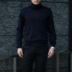 """MANRICO CASHMERE """"Silk Cashmere Wool"""" Turtle Neck Sweater M050 0002 BLACK(ブラック),SNOW WHITE(スノーホワイト),DRESS BLUES(ドレスブルー),ROYAL BLUE(ロイヤルブルー),SABLE(グレージュ),GREY STONE(ダークグレー),AZTEC(ブラウン),CAMEL(キャメル),KOMBU GREEN(グリーン),YELLOW(イエロー),GRENADINE(オレンジ),HIGH RISK RED(ハイリスクレッド) MADE IN ITALY(イタリア製) 2020AWのイメージ"""