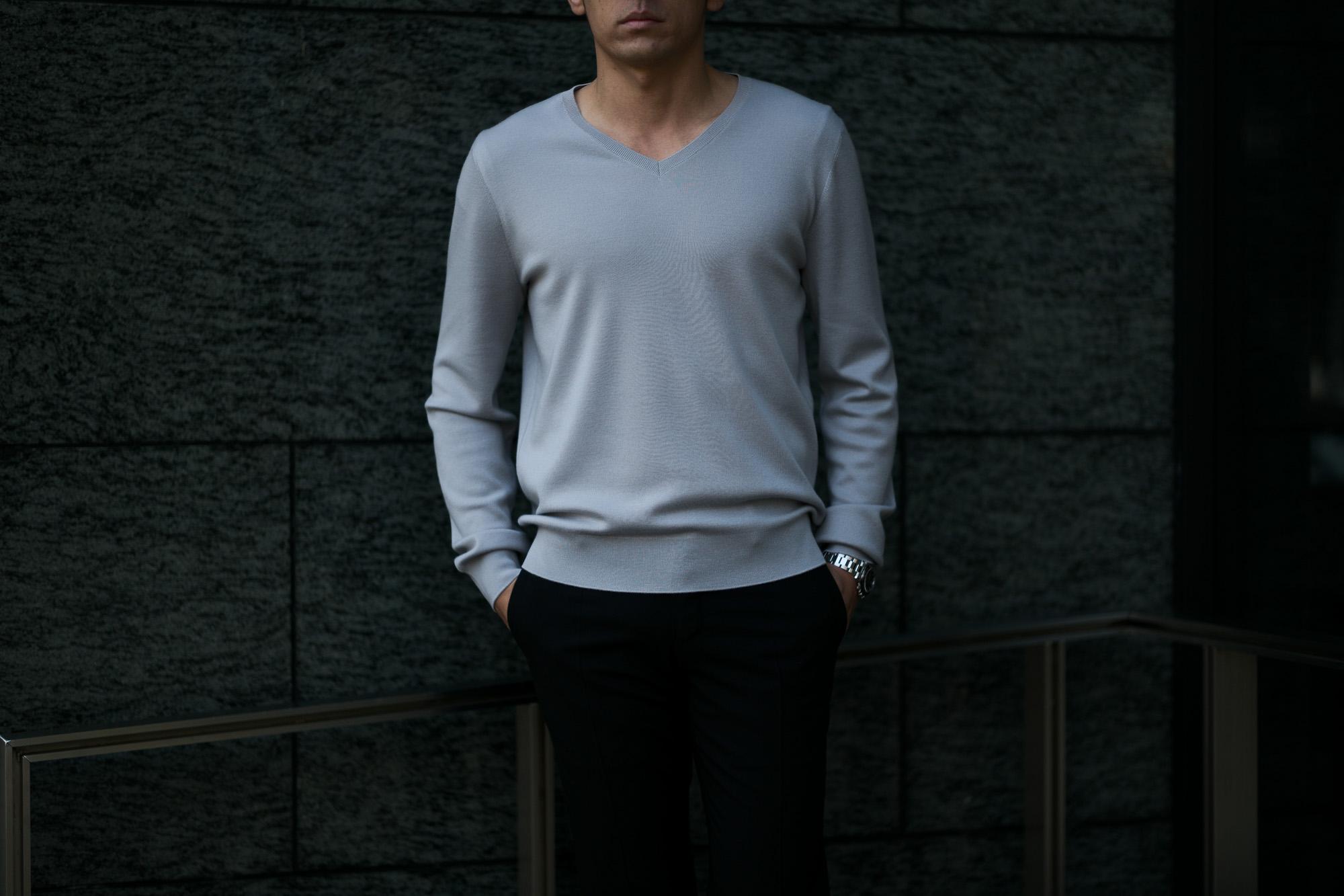 """MANRICO CASHMERE(マンリコカシミア) """"Super Cashmere"""" V Neck Sweater M040 0001 スーパーカシミヤ Vネック セーター BLACK(ブラック),SNOW WHITE(スノーホワイト),DRESS BLUES(ドレスブルー),ROYAL BLUE(ロイヤルブルー),SABLE(グレージュ),GREY STONE(ダークグレー),AZTEC(ブラウン),CAMEL(キャメル),KOMBU GREEN(グリーン),YELLOW(イエロー),GRENADINE(オレンジ),HIGH RISK RED(ハイリスクレッド) MADE IN ITALY(イタリア製) 2020AW マンリコカシミア スーパーカシミア クルーネックセーター カシミヤ 愛知 名古屋 altoediritto アルトエデリット"""