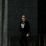 lucien pellat-finet(ルシアン ペラフィネ) Skull Camera Cashmere Sweater (スカル カメラ カシミア セーター) インターシャ カシミア スカル セーター BLACK × NIVEOUS (ブラック × ホワイト) made in scotland (スコットランド製) 2020 春夏新作のイメージ