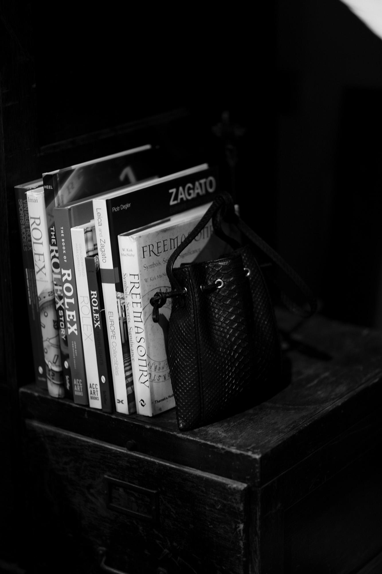cuervo bopoha (クエルボ ヴァローナ) Satisfaction Leather Collection (サティスファクション レザー コレクション) FLOYD (フロイド) Python Leather (パイソンレザー) レザードローストリングバック 巾着 BLACK (ブラック) Made in Japan (日本製) 2020秋冬【Special Model】 愛知 名古屋 altoediritto アルトエデリット レザーバック スモールバック エキゾチックレザー