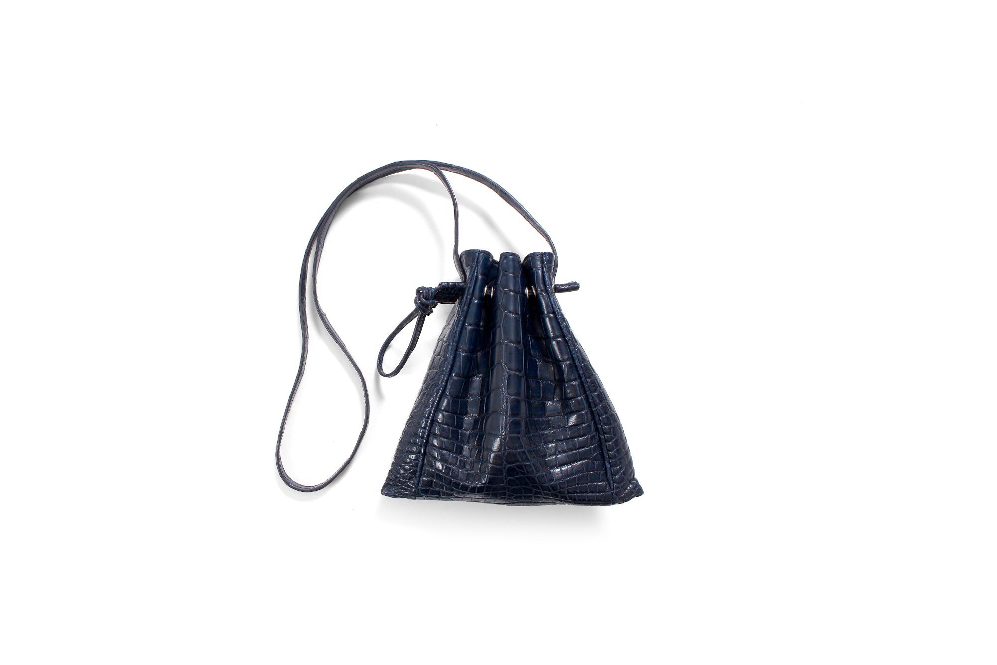 cuervo bopoha(クエルボ ヴァローナ) FLOYD(フロイド) Crocodile Leather(クロコダイルレザー) レザードローストリングバック 巾着 NAVY (ネイビー) Made in Japan(日本製) 2020【Special Model】 愛知 名古屋 altoediritto アルトエデリット