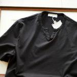Girelli Bruni (ジレリブルーニ) Key Neck T-shirt (キーネック Tシャツ) GIZA 60/2 ギザコットン キーネックTシャツ BLACK (ブラック) made in italy (イタリア製) 2020秋冬新作  【入荷しました】【フリー分発売開始】のイメージ