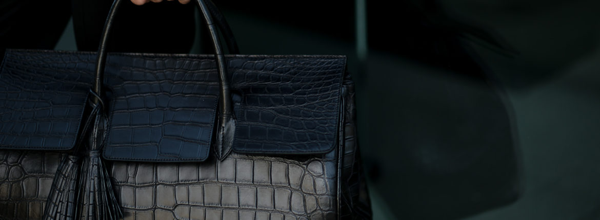 ACATE (アカーテ) OSTRO-M CROCODILE (オストロ-M クロコダイル) NILE CROCODILE LEATHER (ナイルクロコダイルレザー) トートバッグ クロコダイルレザー バッグ NERO (ネロ) MADE IN ITALY (イタリア製) 2020 秋冬新作 【ご予約受付中】【Alto e Diritto限定】【Special Special Special Model】のイメージ