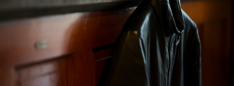 ALTACRUNA (アルタクルーナ) Reversible Leather Padded Jacket (リバーシブル レザー パデッド ジャケット) Lamb Leather (ラムレザー) レザー × ナイロン リバーシブル ジャケット NERO (ブラック・0010) Made in italy (イタリア製) 2020 秋冬新作 【入荷しました】 【フリー分発売開始】のイメージ