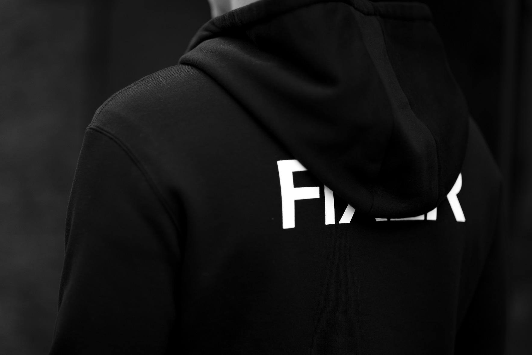 FIXER (フィクサー) FPK-02(エフピーケー02) Sweat Hoodie スウェットフーディー BLACK (ブラック) 【ご予約開始します】【2020.9.12(Sat)~2020.9.27(Sun)】愛知 名古屋 altoediritto アルトエデリット パーカー プリントロゴ ロゴプリント 肉厚 裏サーマル
