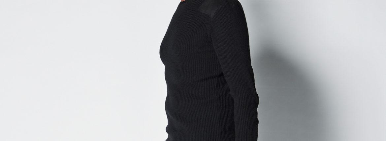 1PIU1UGUALE3 (ウノピュウノウグァーレトレ) BLACK MILITARY BY YOSHIMASA HOSHIBA (ブラックミリタリー バイ 干場義雅) COMMAND KNIT (コマンドニット) CASHMERE カシミアセーター BLACK (ブラック) MADE IN JAPAN (日本製) 2021  【Special Model】【ご予約開始】【2020.11.26(Thu).12時~2020.12.10(Thu).12時】のイメージ