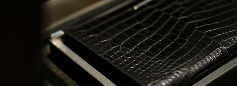 Georges de Patricia (ジョルジュ ド パトリシア) Aventador Crocodile (アヴェンタドール クロコダイル) 925 STERLING SILVER (925 スターリングシルバー) Niloticus Crocodile ニロティカス クロコダイル エキゾチックレザー クラッチ バッグ NOIR (ブラック) 2021 春夏 【Special Model】【入荷しました】【発売開始】のイメージ