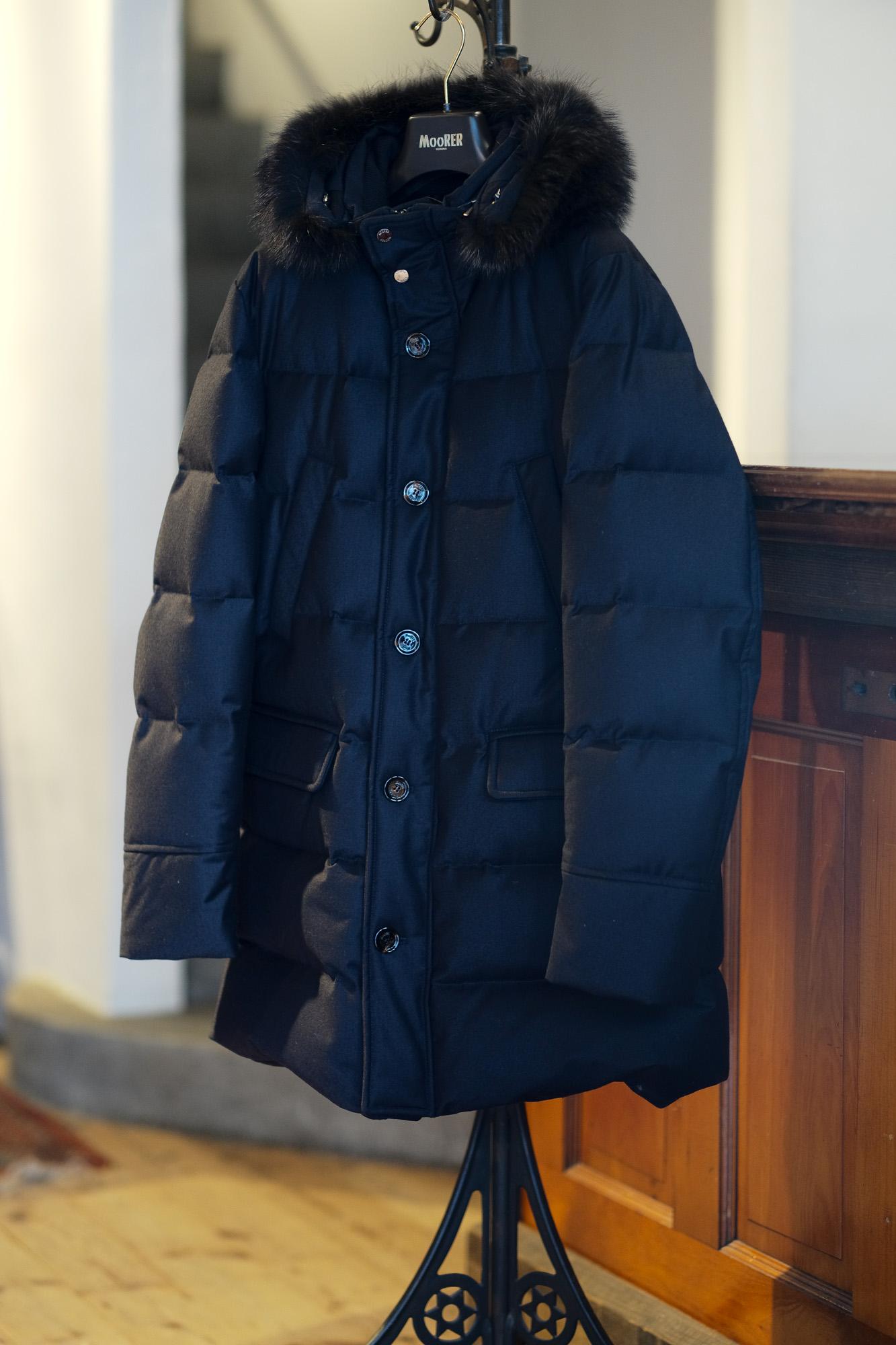 """MOORER """"BARBIERI-LL"""" Wool.Cashmere Down Coat 2021AW /// BEIGE(ベージュ・32),FUMO(ライトブラウン・34),BROWN(ブラウン・36),ANTRACITE(チャコール・05),BLUE GREY(ブルーグレー・75),BLUE(ネイビー・77),NERO(ブラック・08) 【2021 秋冬 受注会開催 2020.12.14(Mon)~2020.12.26(Sat)】愛知 名古屋 Alto e Dirtto altoediritto アルトエデリット ムーレー ダウンジャケット BRET ONIRO FANTONI BOLGI BOND FAYER HELSINKI HARRIS BARBIERI SIRO MORRIS ダウンコート ダウンベスト ダウン"""