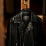 SILENCE (サイレンス) Double Riders Jacket (ダブル ライダース ジャケット) Goatskin Leather (ゴートスキンレザー) GOLD ZIP (ゴールドジップ) レザー ライダース ジャケット NERO GOLD ZIP (ブラックゴールドジップ) Made in italy (イタリア製) 2021 春夏新作のイメージ