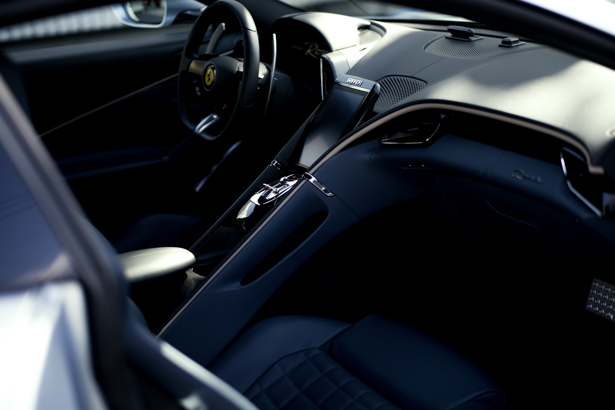 Ferrari Roma フェラーリ ローマ 新型クーペ  3.9 L V8 愛知 名古屋
