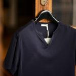 nomiamo (ノミアモ) SUPIMA 80/1 Key Neck T-shirt スーピマコットン キーネック Tシャツ NAVY (ネイビー) 2021 春夏 【Alto e Diritto別注】【Special限定モデル】【ご予約受付中】のイメージ
