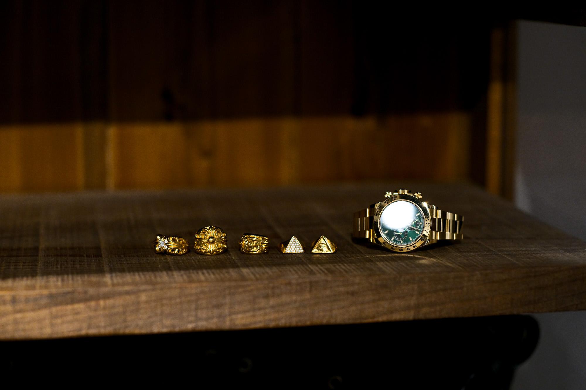 "CHROME HEARTS ""K&T RING 5 WHITE DIAMOND 22K GOLD"" × CHROME HEARTS ""Keeper Ring 22K GOLD"" × CHROME HEARTS ""DAGGER RING 22K GOLD"" × FIXER ""ILLUMINATI EYES RING FULL PAVE WHITE DIAMOND 22K GOLD"" × FIXER ""ILLUMINATI EYES RING WHITE DIAMOND 22K GOLD SP"" × ROLEX ""COSMOGRAPH DAYTONA 116508"" ロレックス デイトナ デイトナグリーン グリーンダイヤル クロムハーツ KTリング 5ダイヤ キーパーリング ダガーリング フィクサー イルミナティ アイズリング フルパヴェ ホワイトダイヤモンド 愛知 名古屋 Alto e Diritto altoediritto アルトエデリット スペシャルコーディネート 宝物 傷だらけまるけ"