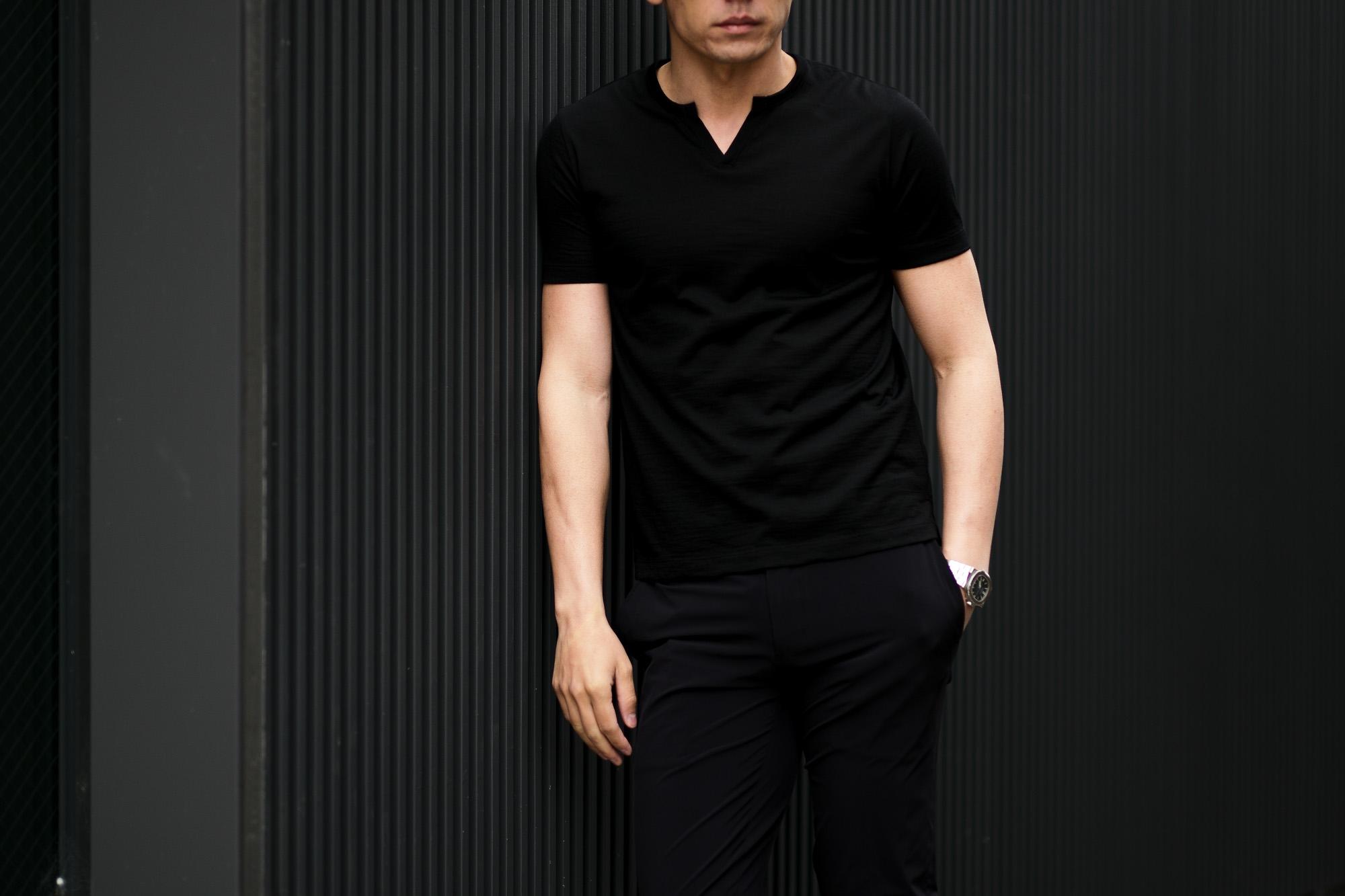 nomiamo (ノミアモ) Key Neck T-shirt 60/1 Super 100's Wool ウォッシャブルウール キーネックTシャツ BLACK (ブラック) 2021 春夏 【Alto e Diritto別注】【Special限定モデル】愛知 名古屋 Altoediritto アルトエデリット カットソー 半袖Tシャツ