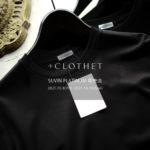 """+CLOTHET / クロスクローゼット【スビンプラチナム 即売会 2021.10.8(Fri)~10.10(Sun)】cross clothet Tシャツ ヘンリーネック ロングスリーブ 0(XS)サイズ 登場します SUVIN PLATINUM 0(XS),1(S),2(M),3(L) 愛知 名古屋 Alto e diritto altoediritto アルトエデリット 世界中の素晴らしい生地(CLOTH)をあなたのクローゼット(CLOSET)に届けたい約150年続く繊維商社ならではの、生地の企画、製造、販売の全てを自社で行い、最高級の素材をテーラー監修のパターンメイキングにより適正価格でご提供し続けています。干場義雅氏監修の「スビンプラチナムスムースジャージーシリーズ」は累計数千枚を超えるヒット商品となり、+CLOTHETの代表作となりました。【生地の特徴】通常太い糸で作られることの多いリブ編みを、贅沢に細番手スビンプラチナムを使って作成しました。カジュアルになりがちなリブ編みですがスビンの持つしっとりとした風合いと光沢が備わった素材です。超長綿でも繊維長の長さや希少性で最高峰と称されるスビン。その希少なスビンの中でも特に最高品質を誇る""""ファーストピック(初摘み)""""だけが名乗ることを許された「スビンプラチナム」原料を国内で編み立てました。機械摘みが主流の中で、綿花を傷つけないようにひとつひとつ丁寧に、栄養の多く含まれた根元のコットンボールだけを手で摘み取り、なめらかな油脂を失うことなく繊細で強く長い繊維質が特徴です。そのため、生地の風合いはとろけるように柔らかな仕上がりになっています。"""