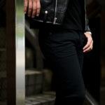 SAINT LAURENT (サンローラン) SKINNY-FIT JEANS IN USED BLACK DENIM (スキニーフィット ジーンズインユーズドブラックデニム) ストレッチ スキニー デニムパンツ BLACK (ブラック) Made in italy (イタリア製) 2021 秋冬新作のイメージ